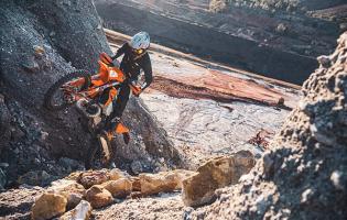 DE KTM EXC-REEKS 2022 IS KLAAR VOOR ALLE EXTREME SITUATIES