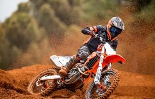 DROP THE GATE: DE NIEUWE 2022 KTM MOTORCROSS