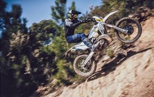 KLAAR VOOR ELKE UITDAGING - HUSQVARNA MOTORCYCLES 2022 ENDURO LINE-UP